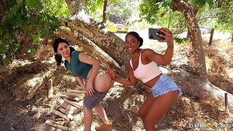Lala Ivey Kylie Rocket
