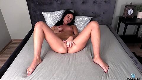 Bella B