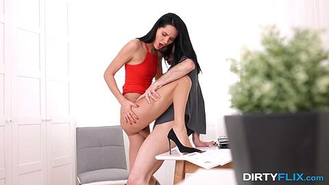 Megan Venturi Ronny